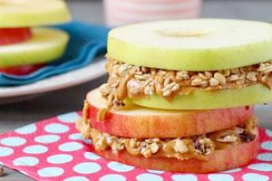 اسنک سیب و کره بادام زمینی