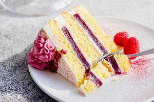 کیک ژله ای توت فرنگی