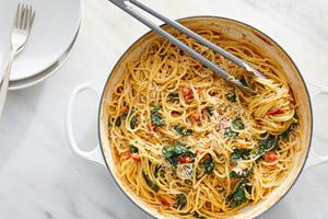 اسپاگتی گوجه فرنگی و اسفناج